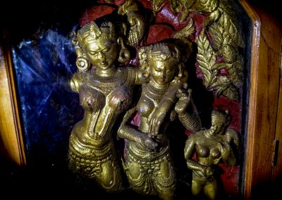 Golden statues of godesses in a halo in Ananda temple